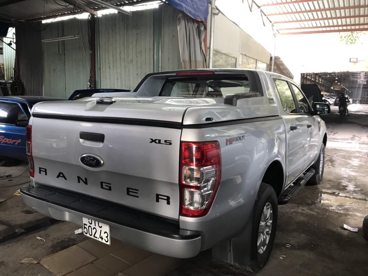 nắp thùng ford ranger