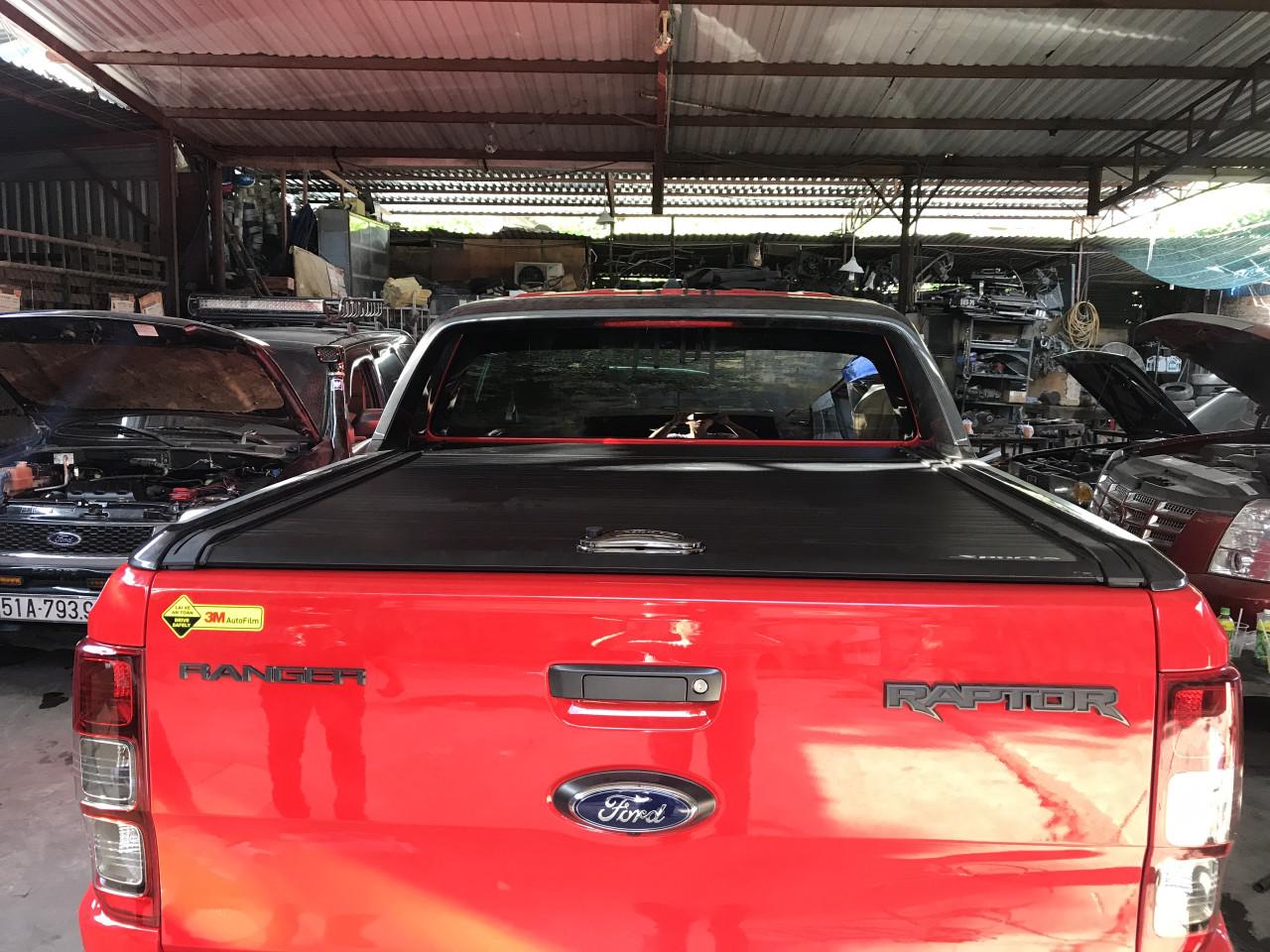 nắp thùng cuộn ford ranger raptor