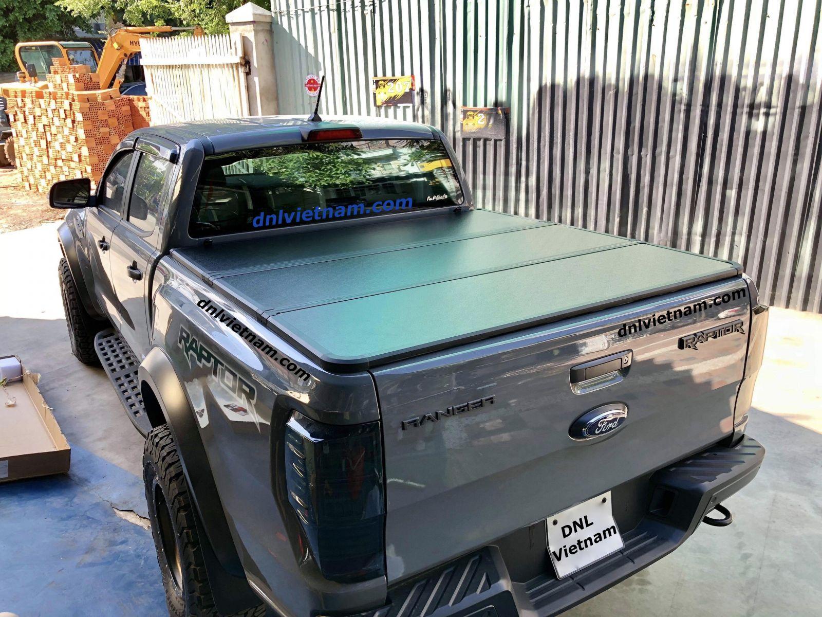 Nắp thùng 3 tấm Ford Ranger Raptor