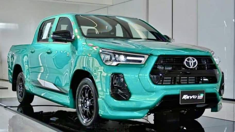 Toyota-Hilux-Revo-GR-Sport gầm thấp