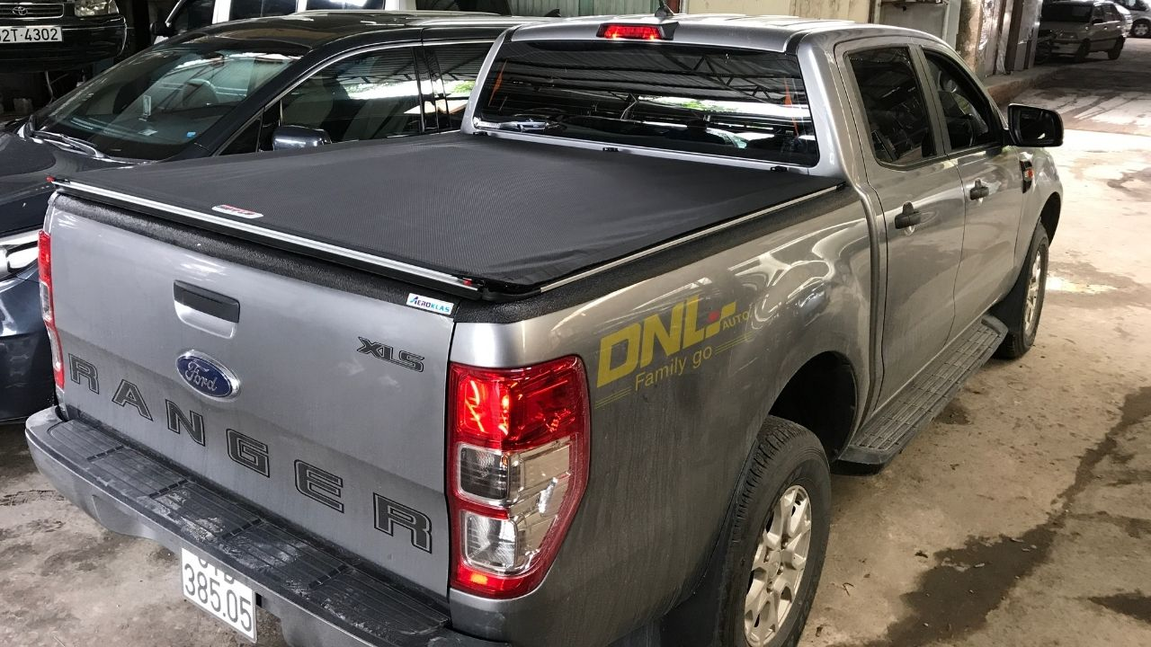 nắp thùng cuộn mềm ford ranger