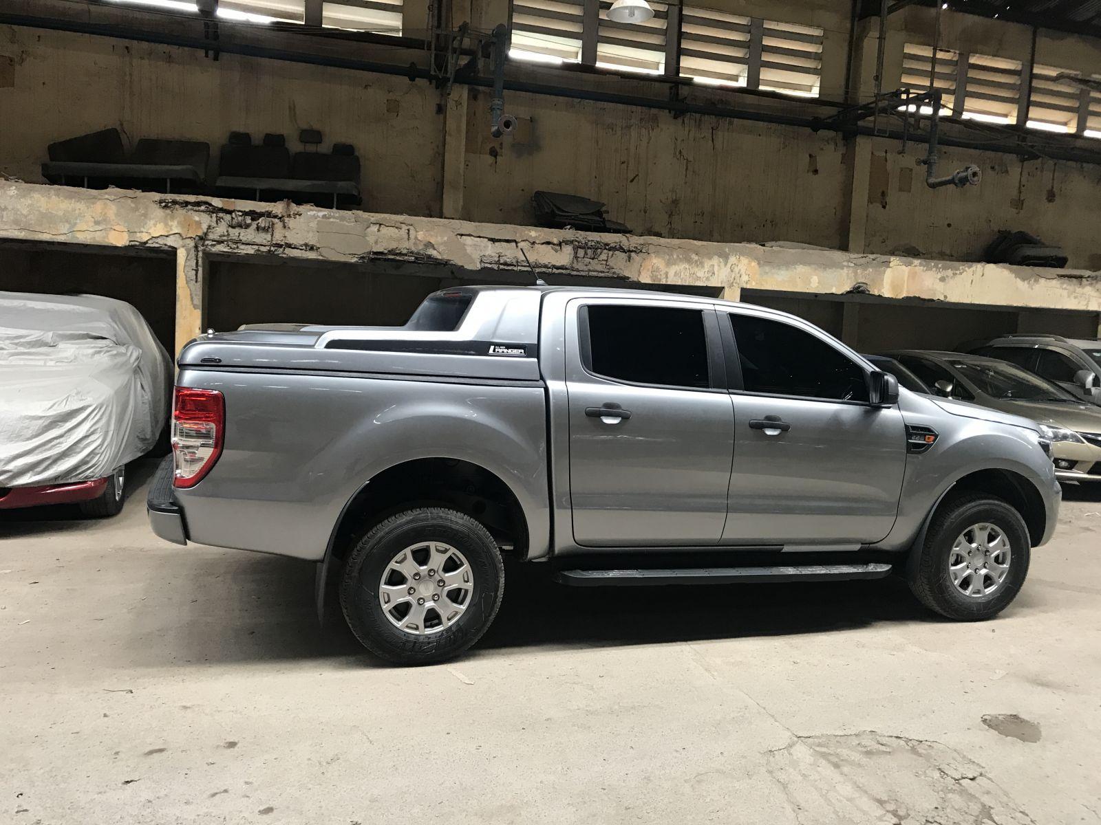 nap thung Ford Ranger thap