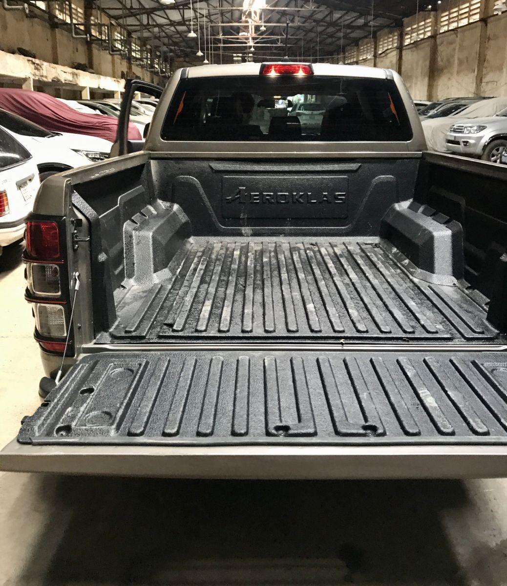 lót thùng ford ranger