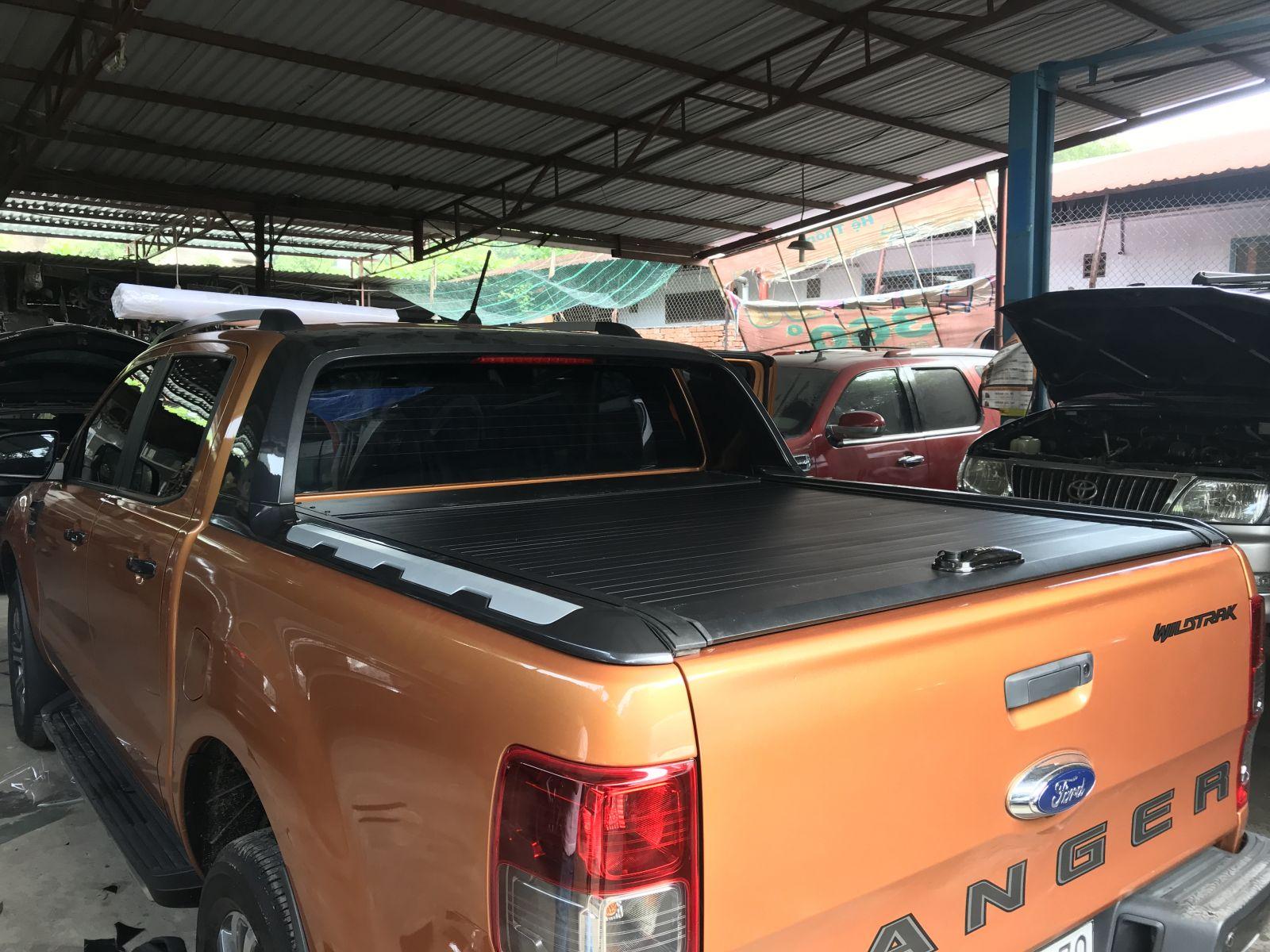 nắp thùng ford ranger 2018