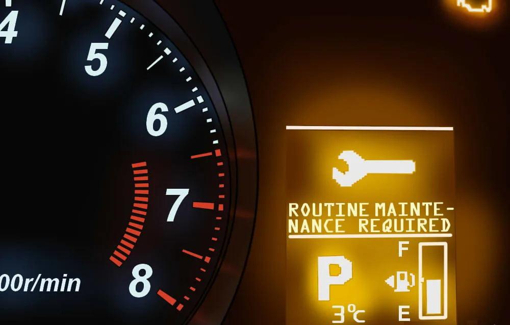Yêu cầu bảo dưỡng: nhắc nhở rằng dầu và các bộ lọc cần được thay theo lịch bảo dưỡng định kỳ.