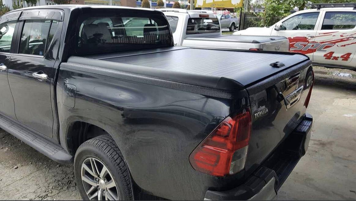 Nắp thùng cuộn Toyota Hilux