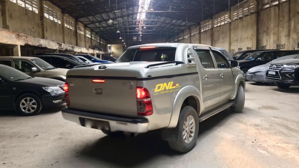 nắp thùng xe bán tải Hilux 2009
