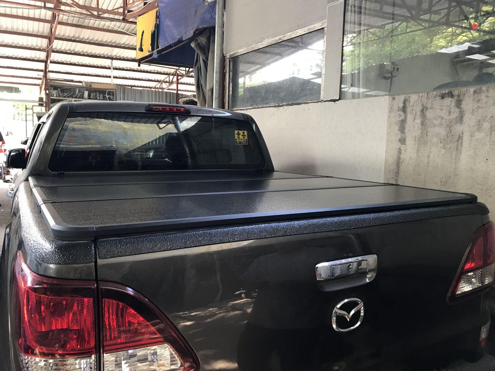 Nắp thùng 3 tấm Mazda Bt 50
