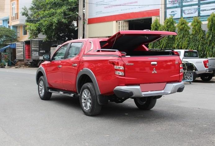 Nắp thùng thấp xe bán tải Mitsubishi Triton