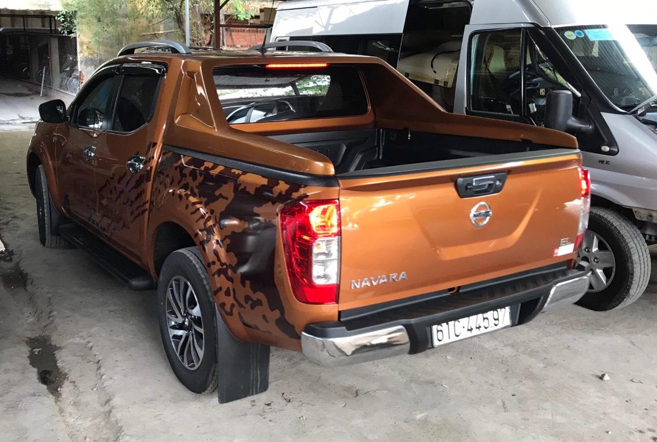 Khung thể thao xe bán tải Nissan Navara
