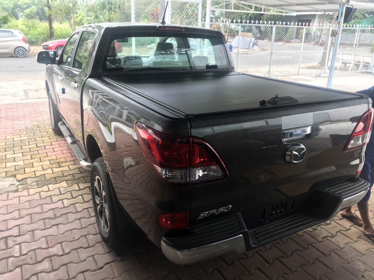 Nắp thùng cuộn Mazda BT50