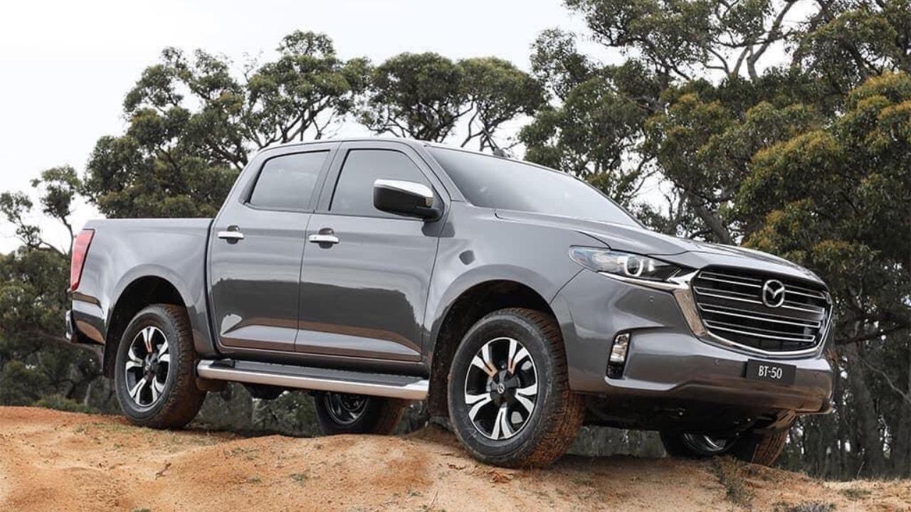 Xe bán Mazda BT50 2021 mới ra mắt
