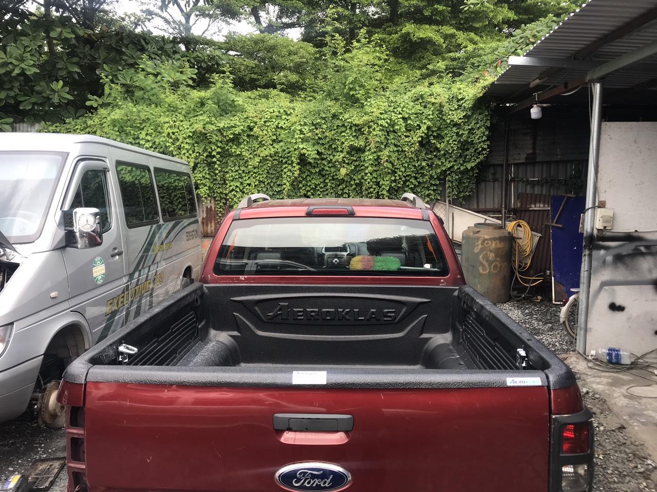 nắp thùng cuộn sports x4 và lót thùng ford ranger
